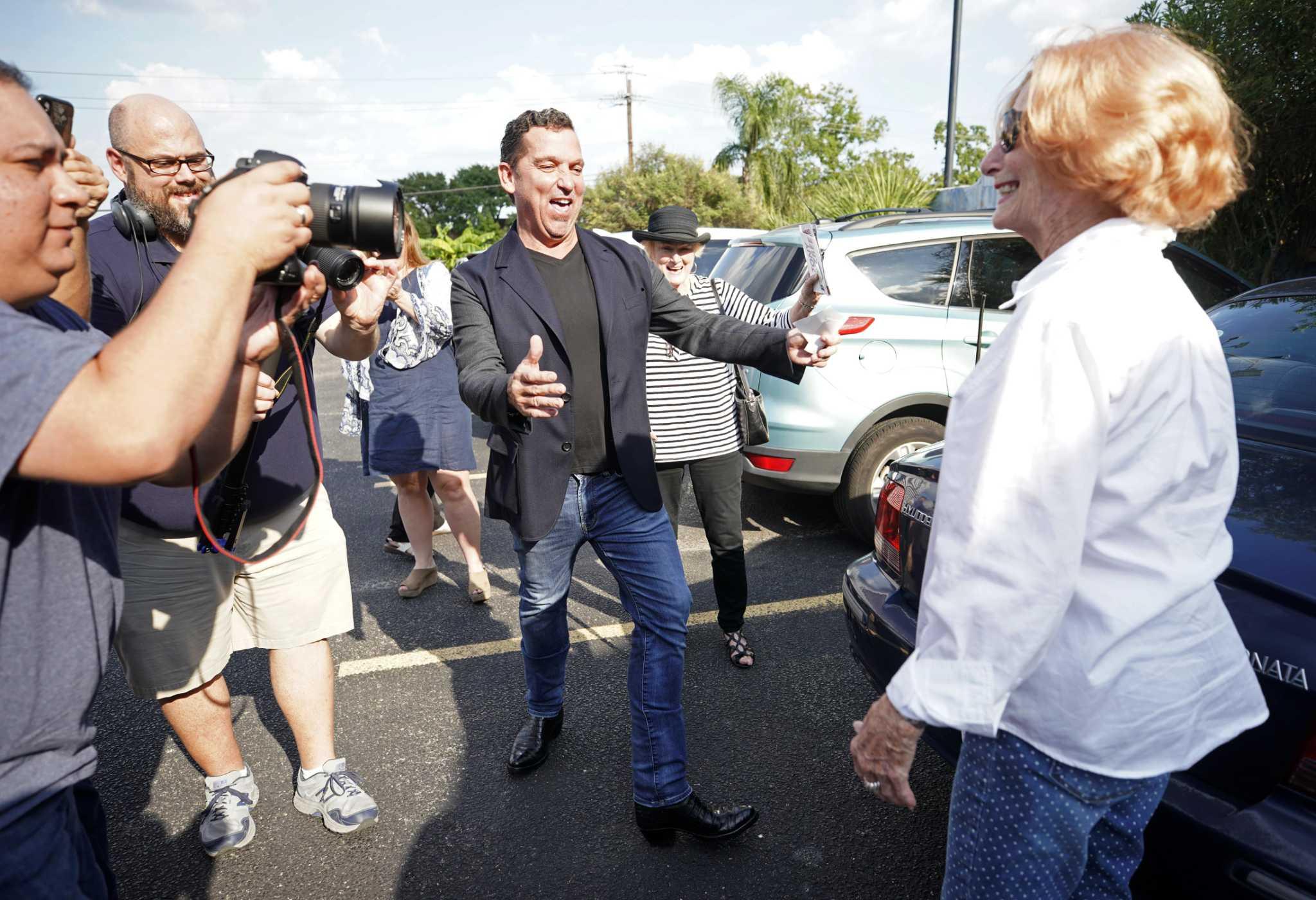 Tony Buzbee loves a good fight. He hopes voters do, too.