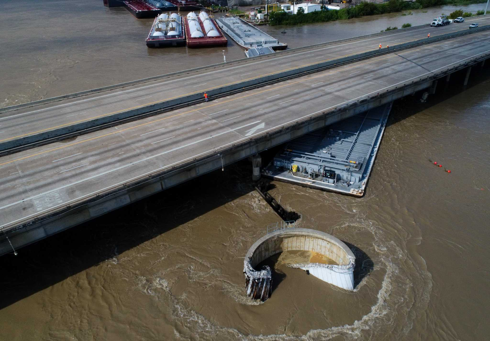 I-10 bridge closure to last at least till next week, with ... on la road clouser map i-10 01 30 14, jennings la map, road map of louisiana map, 70006 zip code map,