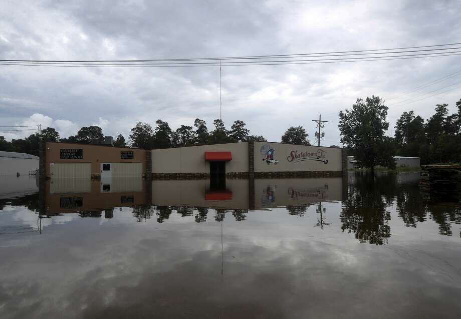Flooding from the remnants of Tropical Depression Imelda continues in Southeast Texas on Friday, Sept. 20, 2019, in Vidor. Photo: Jon Shapley/Staff Photographer