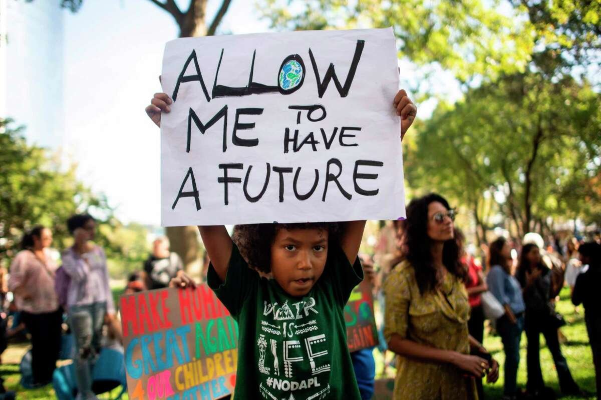 Students participate in the Global Climate Strike march on September 20, 2019 in New York City. - Crowds of children skipped school to join a global strike against climate change, heeding the rallying cry of teen activist Greta Thunberg and demanding adults act to stop environmental disaster. It was expected to be the biggest protest ever against the threat posed to the planet by climate change.