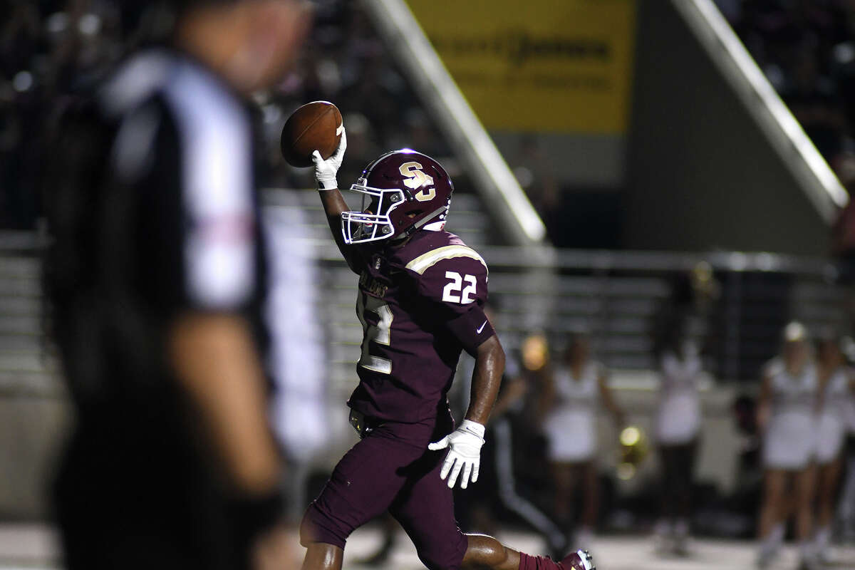 Summer Creek sophomore running back Torrie Curry scampers into the end zone on his second quarter touchdown run against Dobie in their district matchup at Turner Stadium in Humble on Sept. 20, 2019.