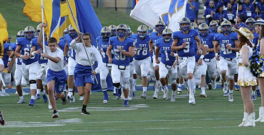 Known for its offense, Kerrville Tivy now has a defense that is making it tough to beat by giving up just 12.9 points per game. Photo: Kin Man Hui / Staff Photographer / ©2019 San Antonio Express-News