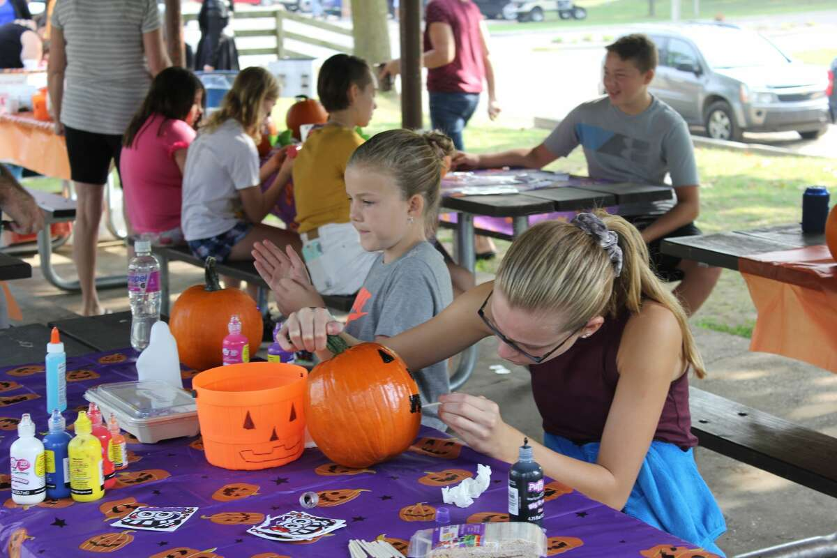Families started autumn off in Caseville for the annual PumpkinFest. Events all over city included pumpkin decorating, the pumpkin roll, and a classic car show.