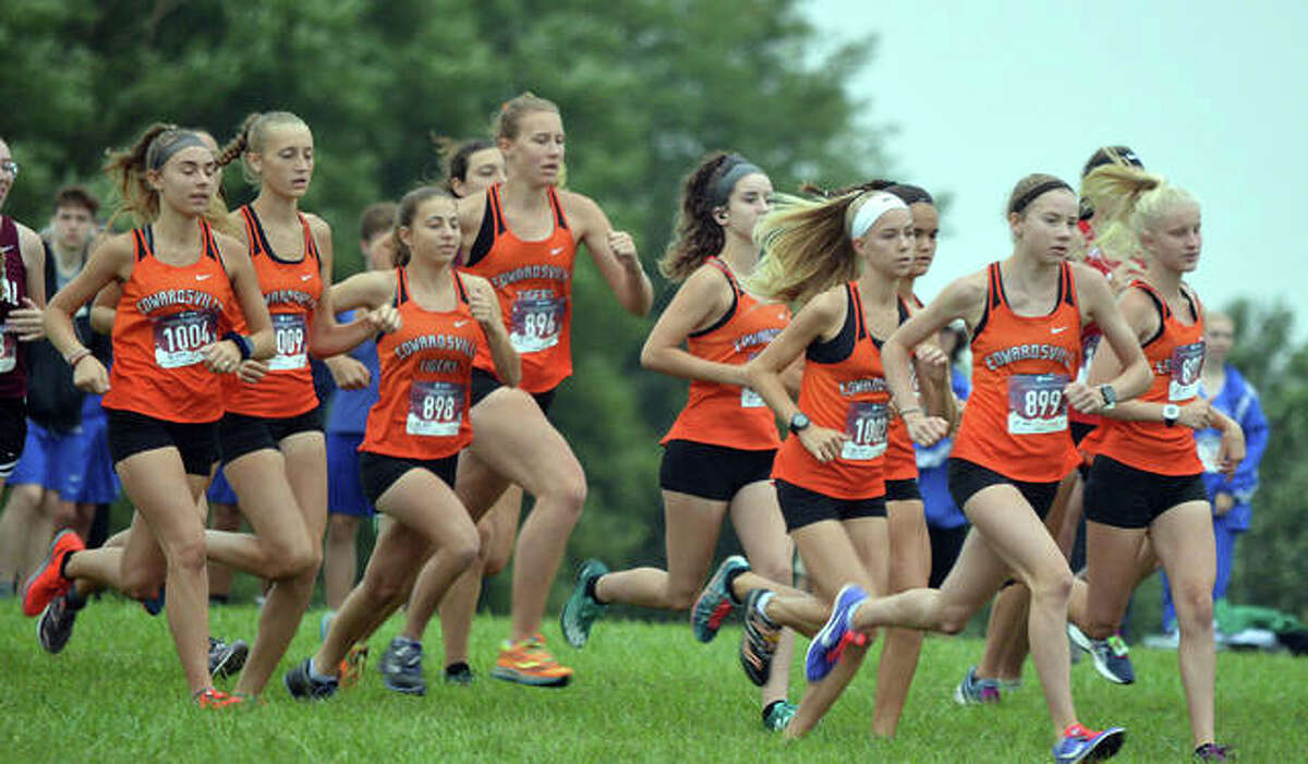 The Edwardsville girls cross country team gets off to a quick start at the Edwardsville Invitational.