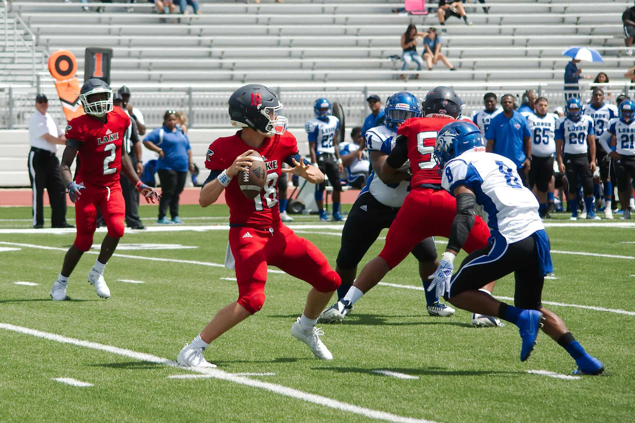 Football: Chavez is opportunistic in 24-21 win over Clear Lake