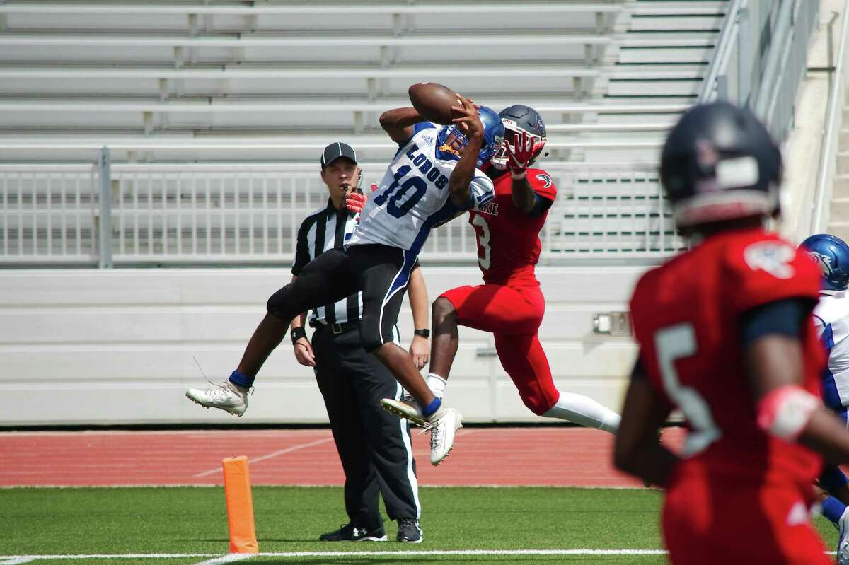 Clear Lake's Mark Wilson (3) is the Cougars' first commitment for the class of 2021.