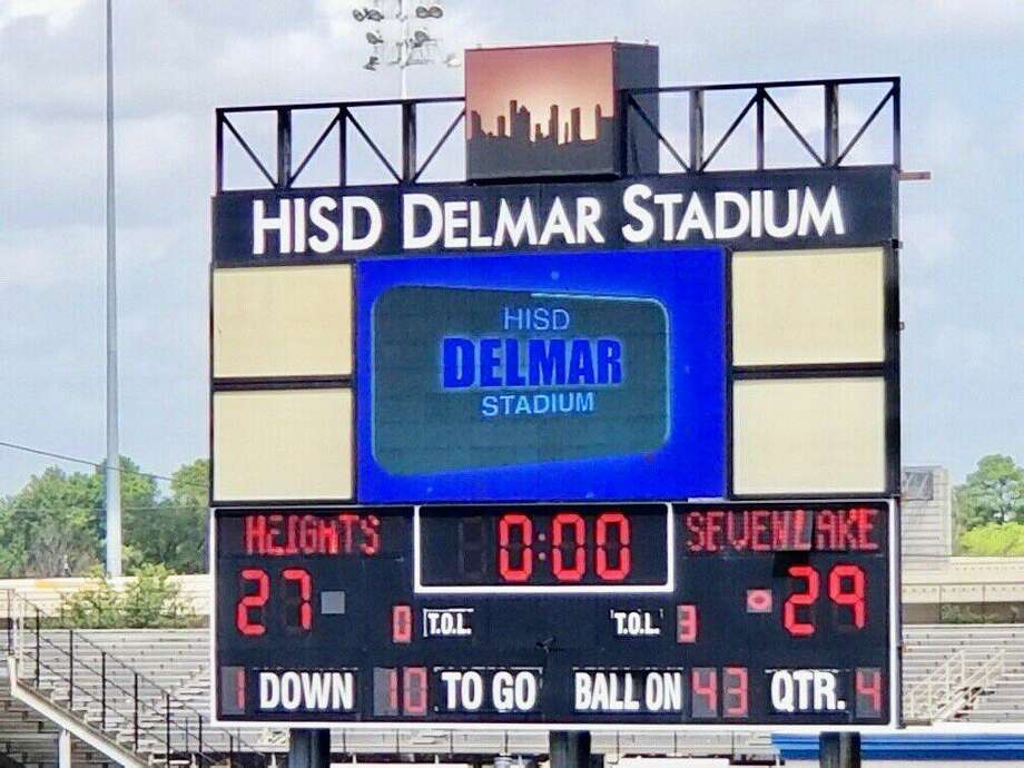 Seven Lakes overcame a 14-point halftime deficit to beat Heights 27-29 on the morning of Sept. 21 at Delmar Stadium Photo: Seven Lakes Football Twitter, @7LHSFootball