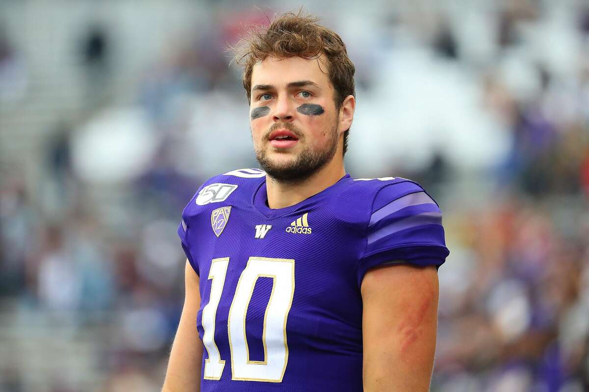 SEATTLE, WASHINGTON - SEPTEMBER 14: Jacob Eason #10 of the Washington Huskies looks on against the Hawaii Rainbow Warriors in the third quarter during their game at Husky Stadium on September 14, 2019 in Seattle, Washington. (Photo by Abbie Parr/Getty Images)