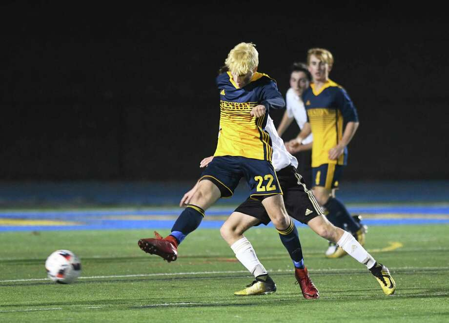 Weston's Mason Asphar during the SWC Championship boys soccer game between Weston and Joel Barlow at Newtown High, Nov. 1, 2018. Photo: Krista Benson / The News-Times Freelance