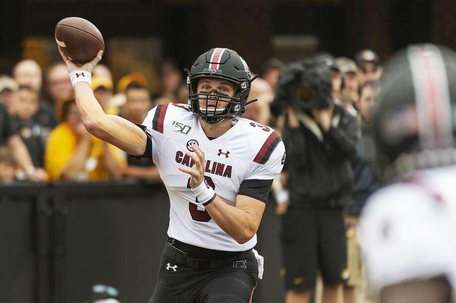 South Carolina newspaper apologizes to quarterback, university over headline
