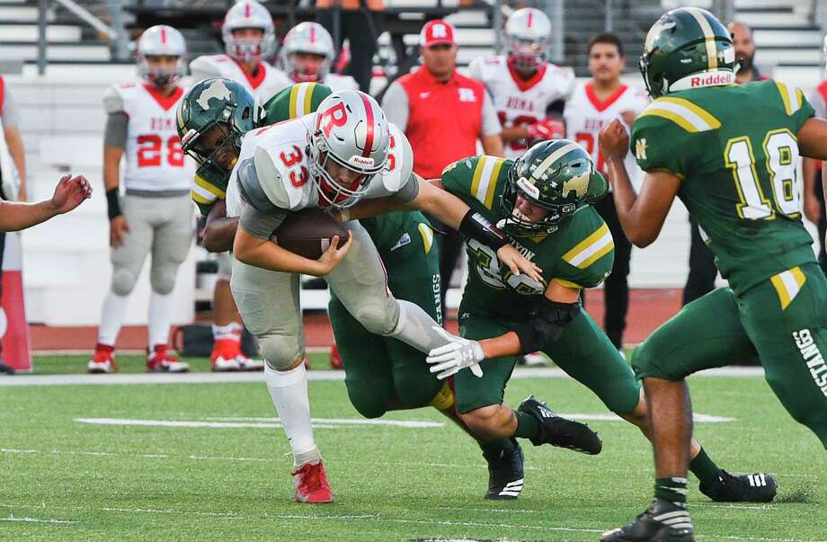 The Mustangs finished non-district play undefeated after they won 21-14 at Zapata last Friday. This is the second straight year Nixon has started 4-0. Photo: Danny Zaragoza /Laredo Morning Times File / Laredo Morning Times