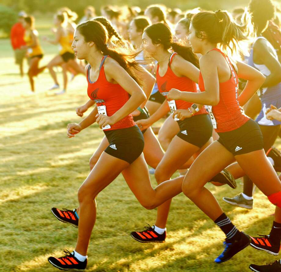 Plainview runners Mikayla Carillo, Kelsie Valdez and Daniella Guzman get started during the 5A-6A girls varsity three-mile race during the Plainview Invitational cross country meet on Saturday at Mae Simmons Park. Photo: Nathan Giese/Planview Herald