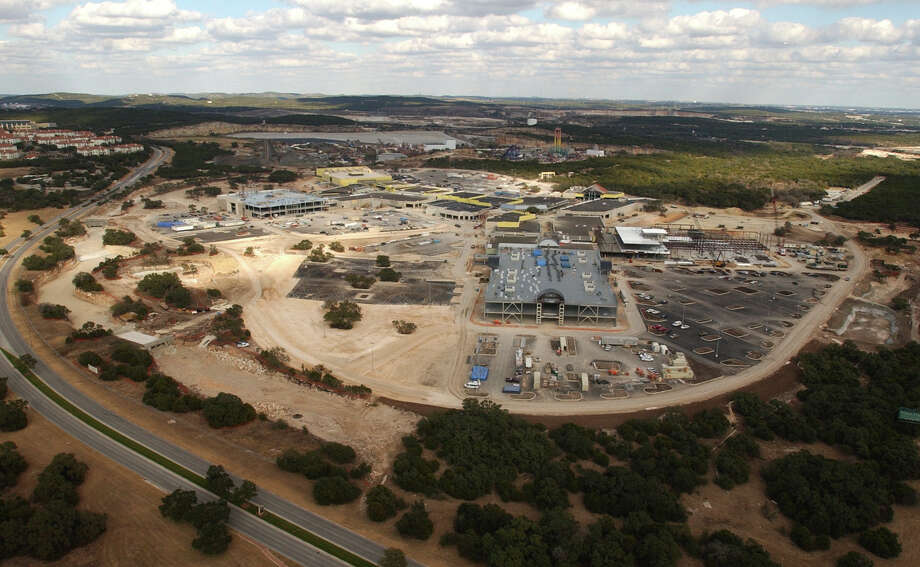 Click ahead to view photos of the Shops of La Cantera under construction. Shops of La Cantera behind Fiesta Texas near 1604 and IH 10 Tuesday December 28, 2004. Photo: ROBERT MCLEROY/SAN ANTONIO EXPRESS-NEWS