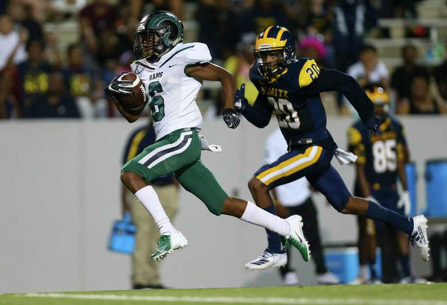 Mayde Creek High School wide receiver Eddie Harrell (6) scores a 64-yard touchdown against Nimitz High School during the third quarter of the game at Thorne Stadium Friday, Sept. 13, 2019, in Houston. Photo: Godofredo A Vásquez, Houston Chronicle / Staff Photographer / © 2019 Houston Chronicle