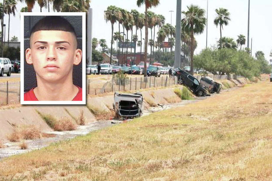 Laredo police have arrested a teenager for causing a crash that killed two people and injured several others last month in front of Mall Del Norte. Photo: Laredo Morning Times