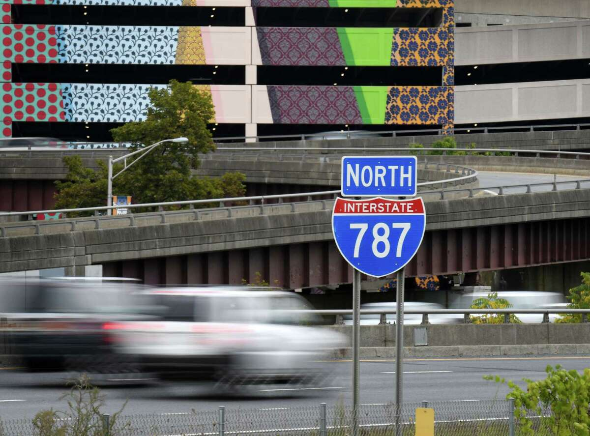 Traffic moves north along I-787 on Monday afternoon, Sept. 23, 2019, in Albany, N.Y. (Will Waldron/Times Union)