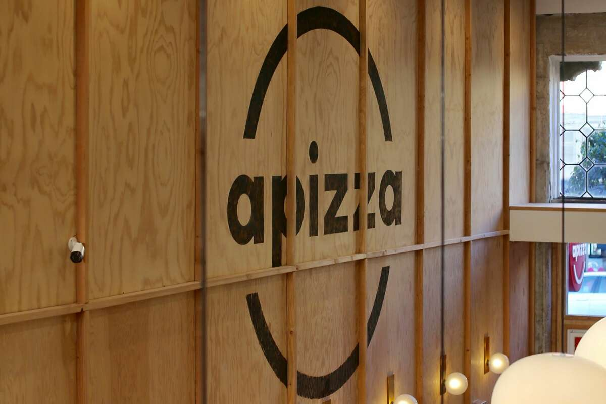The owners of La Boulangerie are bringing a new fast food pizza restaurant called apizza to San Francisco.