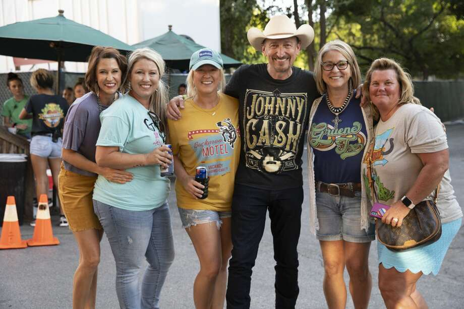 Thousands of Garth Brooks fans headed to Gruene for a mini-festival while the country music star played inside Gruene Hall on Monday, Sept. 23, 2019. Food, drinks and TV screens were available for those who didn't have a ticket to catch the singer inside the venue. Photo: Stacey Lovett, For MySA.com