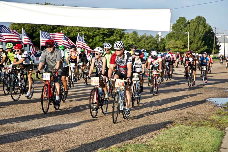 Area cyclists take off from the Plainview Ollie Liner Center Saturday morning during the 10th annual Hale On Wheels event. Photo: Don Brown/For The Herald