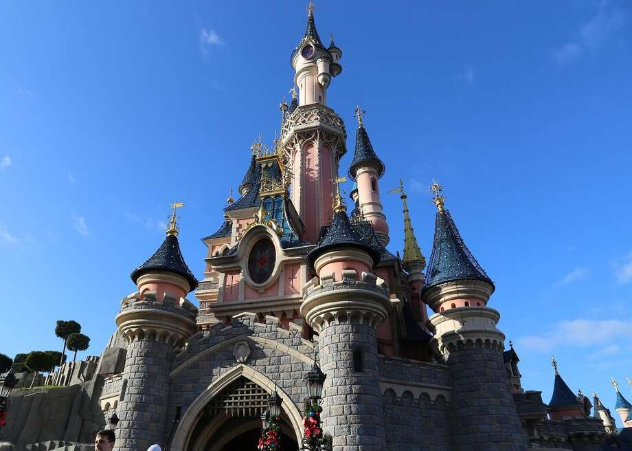A Man Took Lsd And Fell In A Lake At Disneyland Paris He