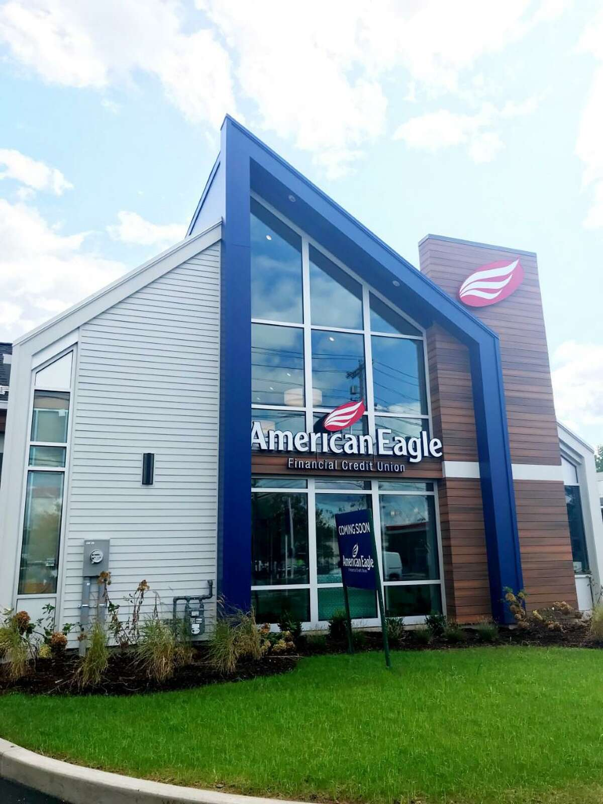 An exterior view of the new American Eagle Federal Credit Union branch on Washington Avenue in North Haven. The branch is American Eagle's first in New Haven County.