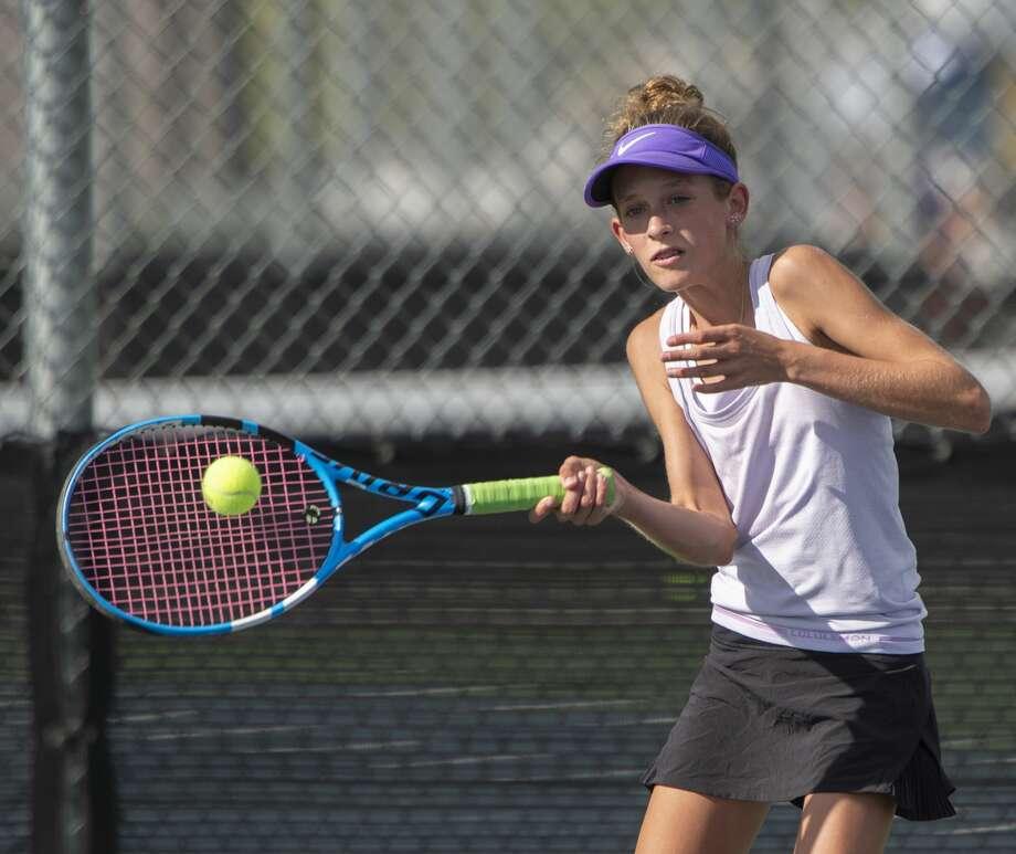 Midland High's Sarah Stewart returns a shot 09/24/19 during a match at Bush Tennis Center. Tim Fischer/Reporter-Telegram Photo: Tim Fischer/Midland Reporter-Telegram