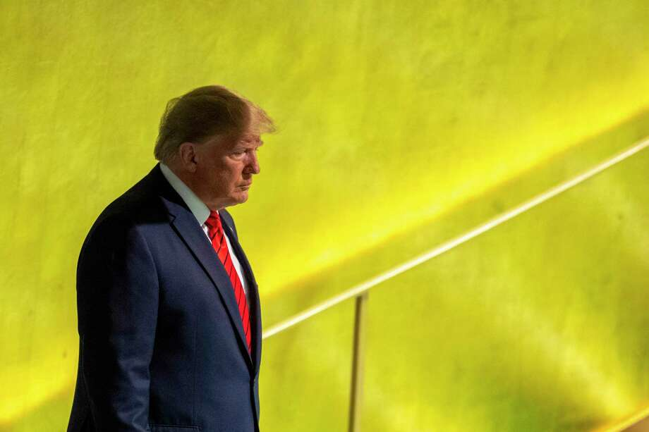 El presidente de Estados Unidos, Donald Trump, se alista para hablar ante la 74ª sesión de la Asamblea General de las Naciones Unidas en la sede de la ONU el martes 24 de septiembre de 2019. Photo: Mary Altaffer /Associated Press / Copyright 2019 The Associated Press. All rights reserved.