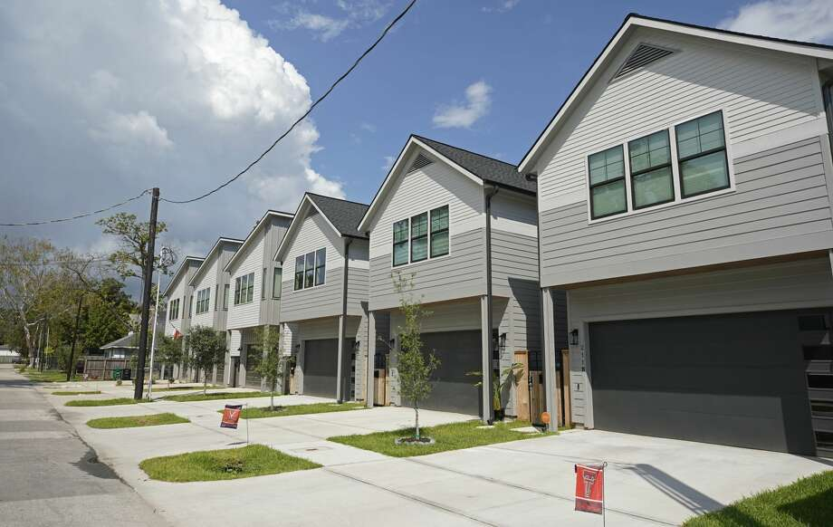 New homes line a street in Independence Heights. Photo: Melissa Phillip/Staff Photographer