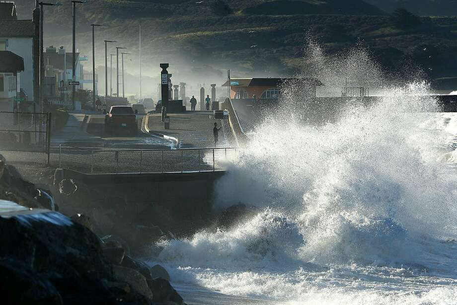 FILE — High waves in Pacifica on Jan. 20, 2019. Photo: Carolyn Cole / Tribune News Service