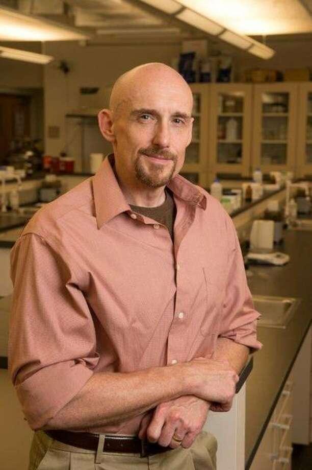 Ken Witt, PhD, associate professor of pharmaceutical sciences in the SIUE School of Pharmacy. Photo: For The Intelligencer