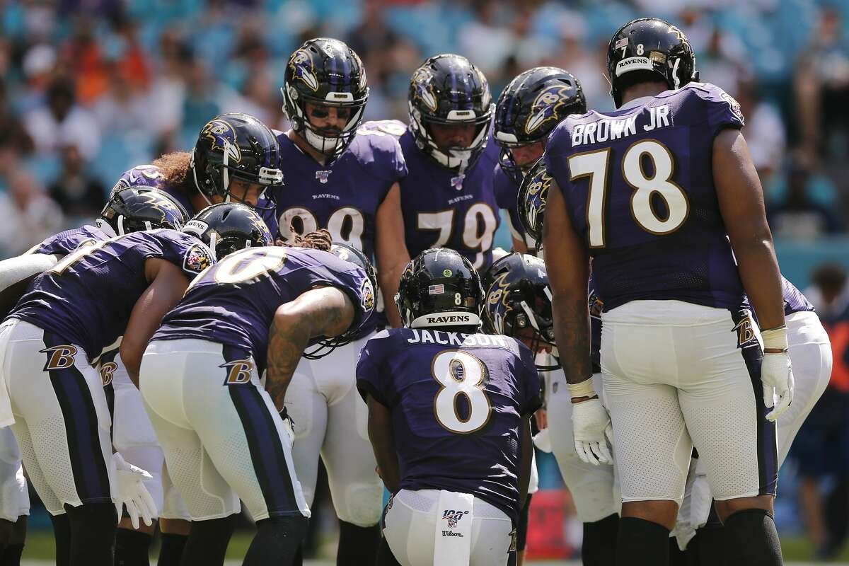Cleveland plus-7 at BaltimoreRavens 21-17