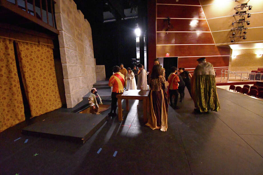 Theater lovers came out in abundance as Laredo Theater Guild International opened their 11th season with Williams Shakespeare's Hamlet at the TAMIU's Center for the Fine and Performing Arts Theater. Photo: Cuate Santos/Laredo Morning Times