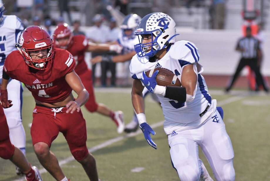 Alex Guzman and the Toros look to capture momentum early when they play Sharyland at Shirley Field Thursday. Photo: Cuate Santos /Laredo Morning Times File