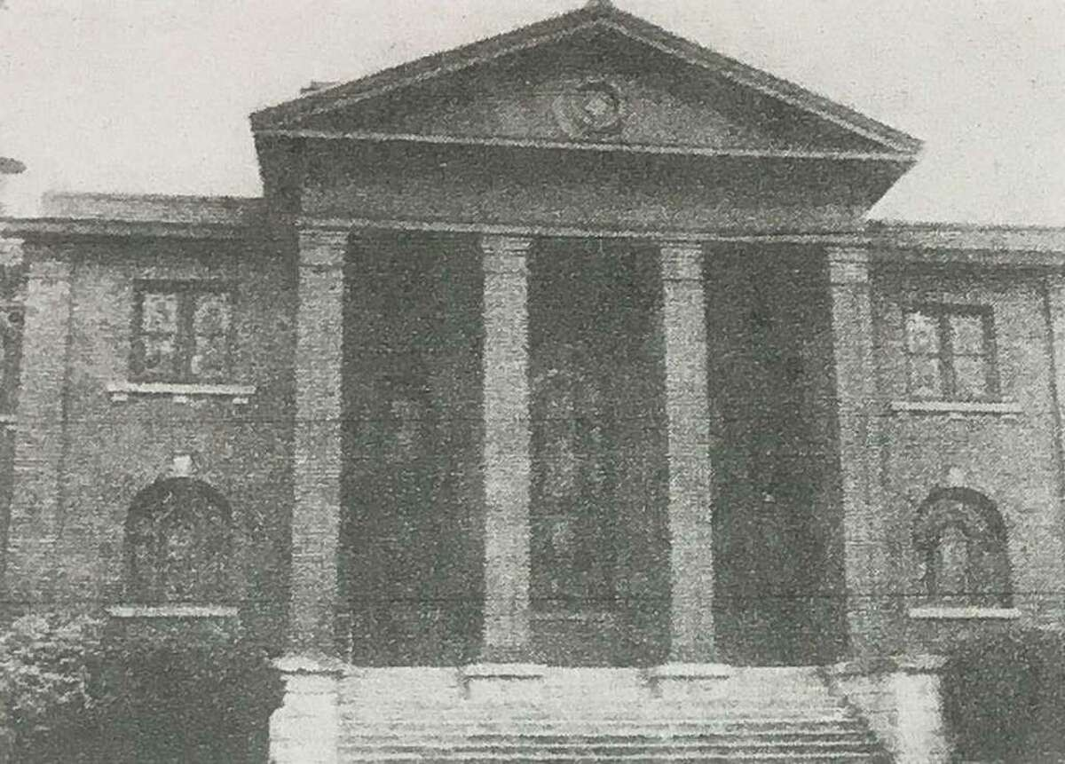 The entrance to the First Baptist Church of Conroe in 1921.