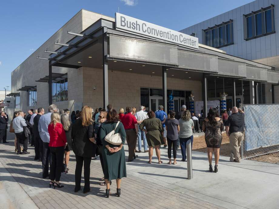 Midlanders stand outside as members of the Midland City Council and Chamber of Commerce welcome everyone 09/26/19 before touring the newly opened Barbara & George H.W. Bush Convention Center in downtown Midland. Tim Fischer/Reporter-Telegram Photo: Tim Fischer/Midland Reporter-Telegram