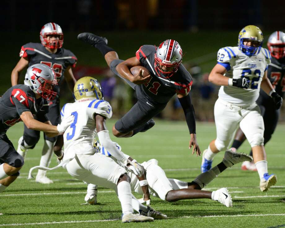 PHOTOS: Travis vs. Elkins