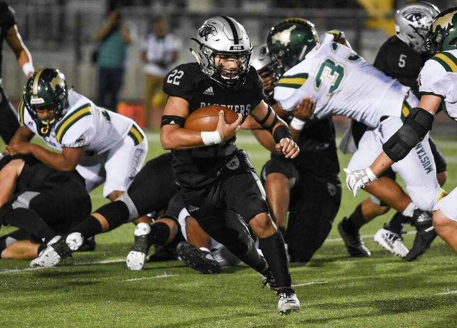 United South running back Brian Benavides has 933 rushing yards and 17 touchdowns this season. Photo: Danny Zaragoza /Laredo Morning Times