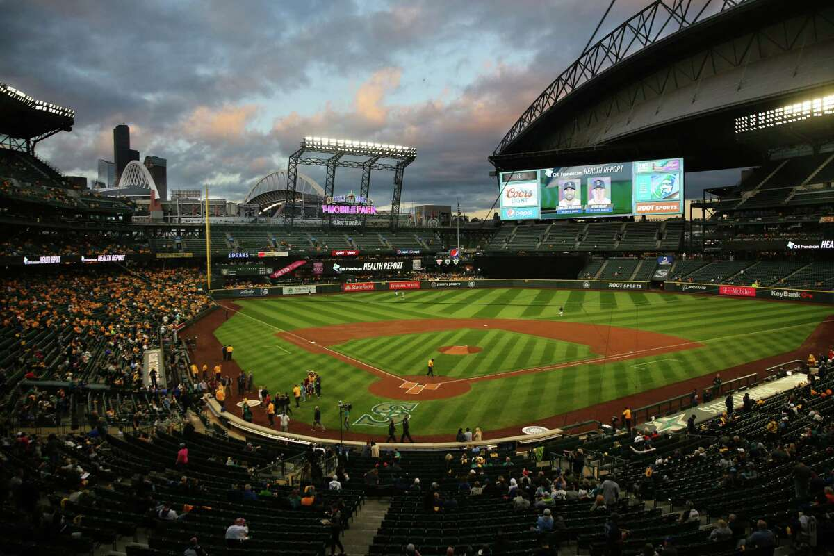 The crowd begins filling the stands before the Seattle Mariners game against the Oakland Athletics, Thursday, Sept. 26, 2019.