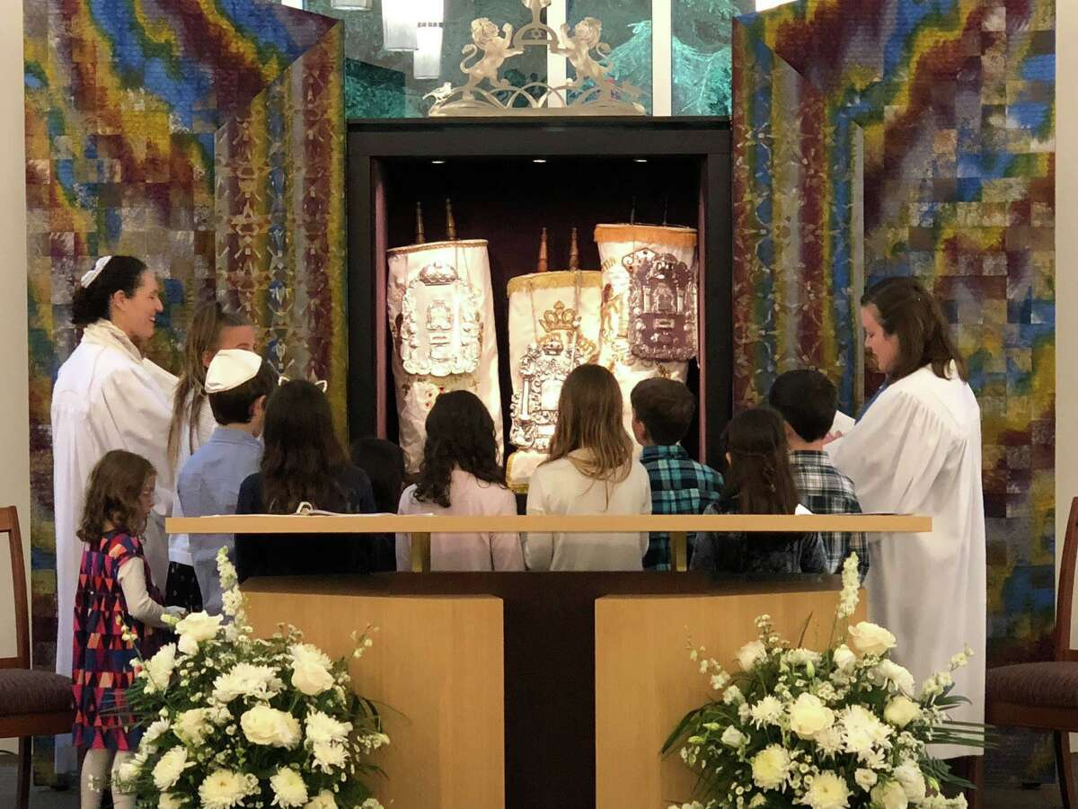 A Rosh Hashanah service at Temple B'nai Chaim.