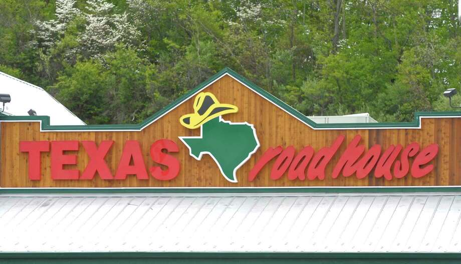 Texas Roadhouse opened a new location on Sept. 24 at 9747 North Sam Houston Parkway East offering their country inspired menu. Photo: H John Voorhees III, Staff Photographer / Hearst Connecticut Media / The News-Times