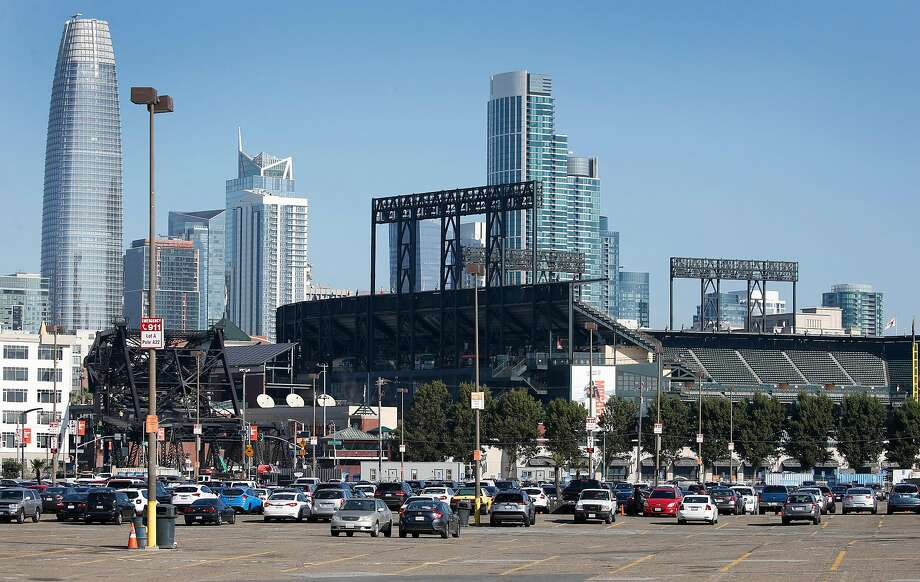 Oracle Park and the city skyline on Sept. 26, 2019. Photo: Paul Chinn, The Chronicle
