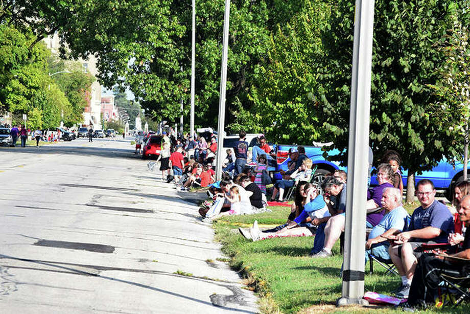 Views from the Jacksonville High School homecoming parade. Photo: Samantha McDaniel-Ogletree | Journal-Courier