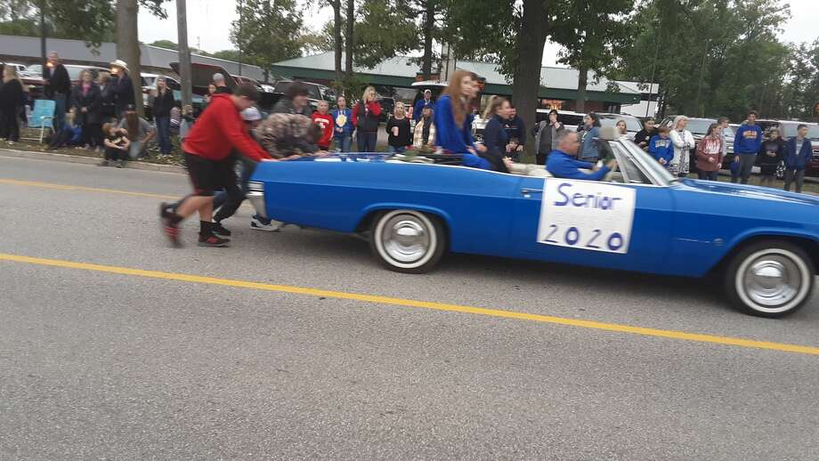 Midland High School held its annual homecoming parade on Friday, just prior to the Chemics' homecoming football game against Saginaw High at Midland Community Stadium. Photo: Dan Chalk/chalk@mdn.net