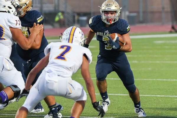Senior running back Camilo Pedraza had 206 total yards and four touchdowns in Alexander's 42-0 win over LBJ on Friday.