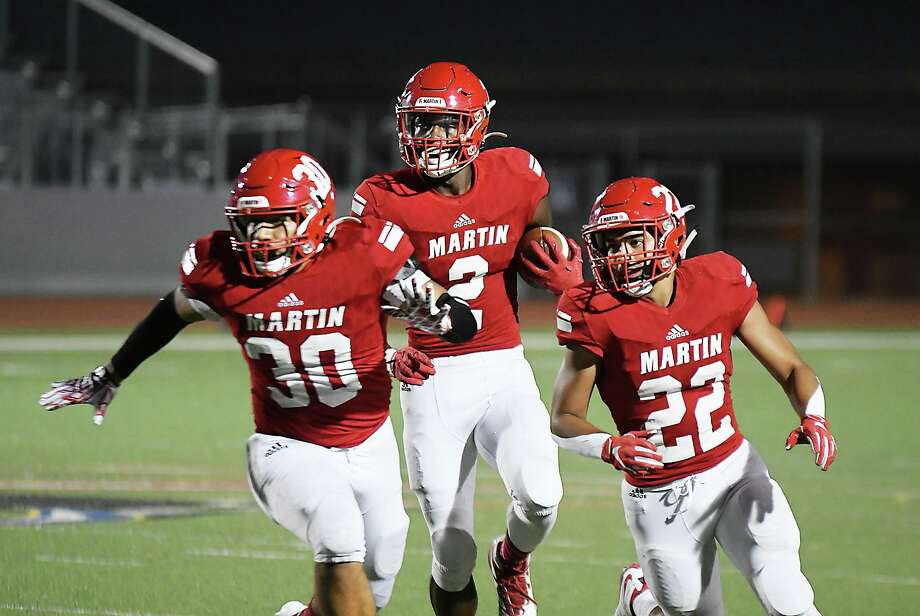 Octavio Alcorta, Dean Blondmonville, Jose Castaneda and the Tigers play at McCollum at 7:30 p.m. Friday. The game marks the second half of Martin's district schedule. Photo: Cuate Santos /Laredo Morning Times File / Laredo Morning Times