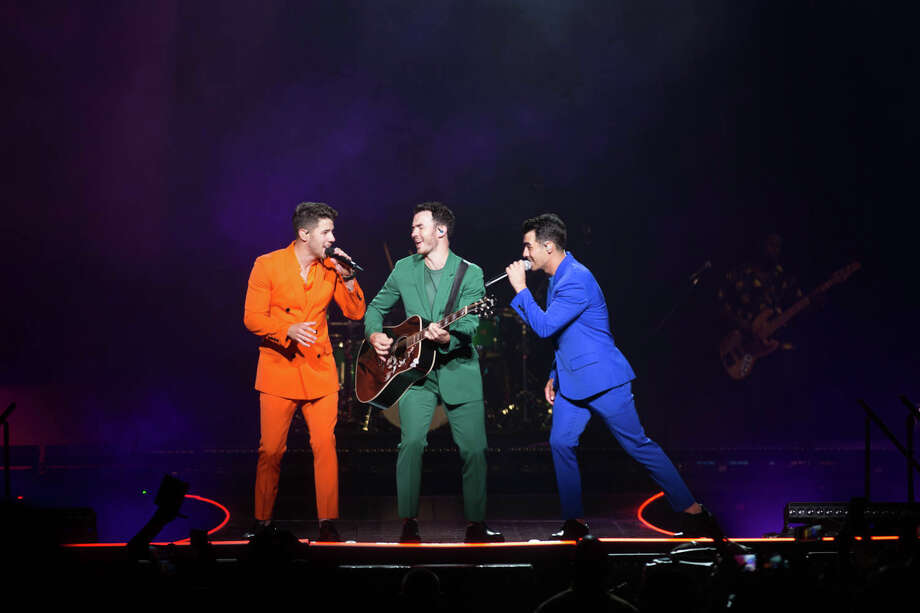 San Antonians jam out to The Jonas Brothers 'Happiness Begins Tour' at the AT&T Center on Friday, September, 27, 2019. Photo: B. Kay Richter