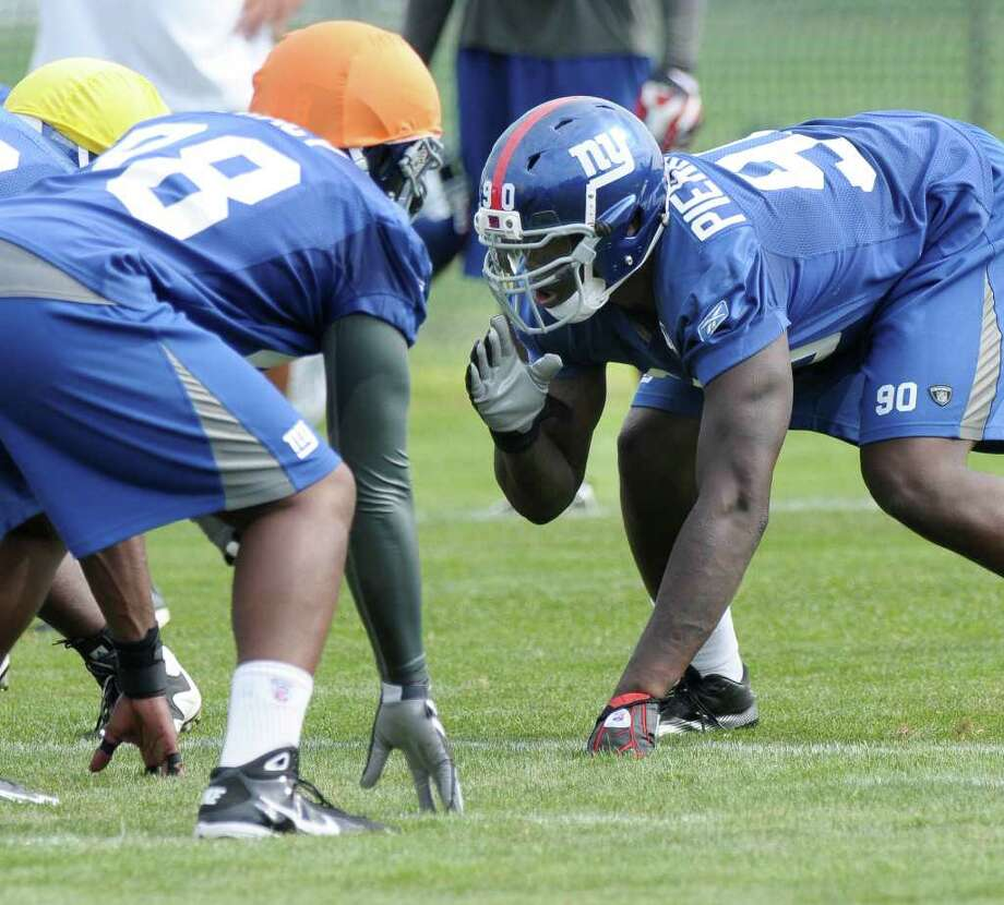Giants Hope To Mold Pierre-Paul Into Effective Pass-rusher
