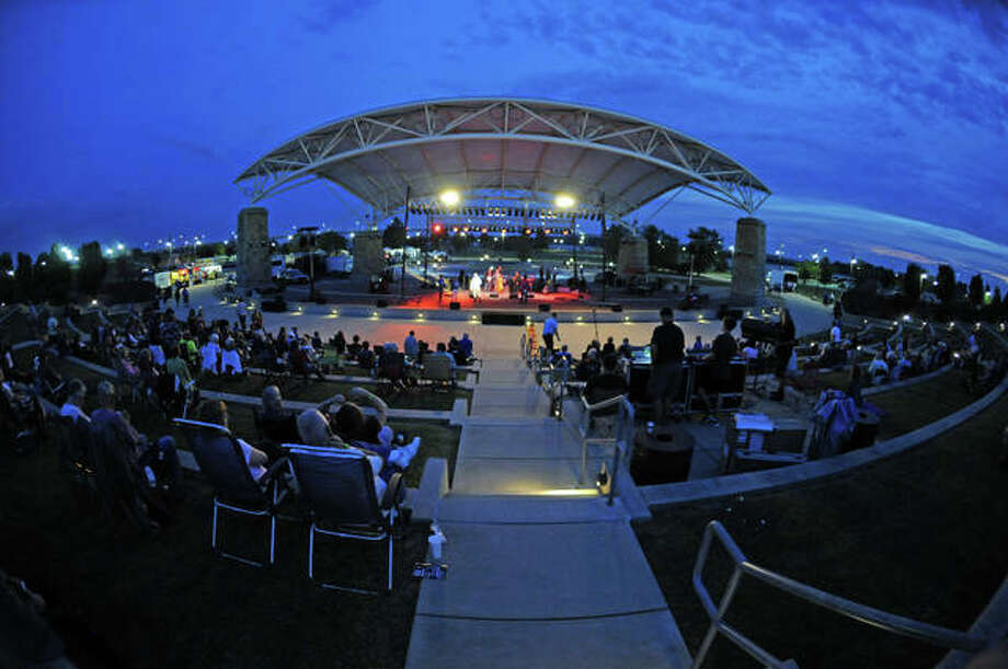 The 10th annual Feed the Need Concert drew a crowd Saturday night at the Liberty Bank Amphitheater in Alton. The event funds the Senior Services Plus Meals on Wheels program.