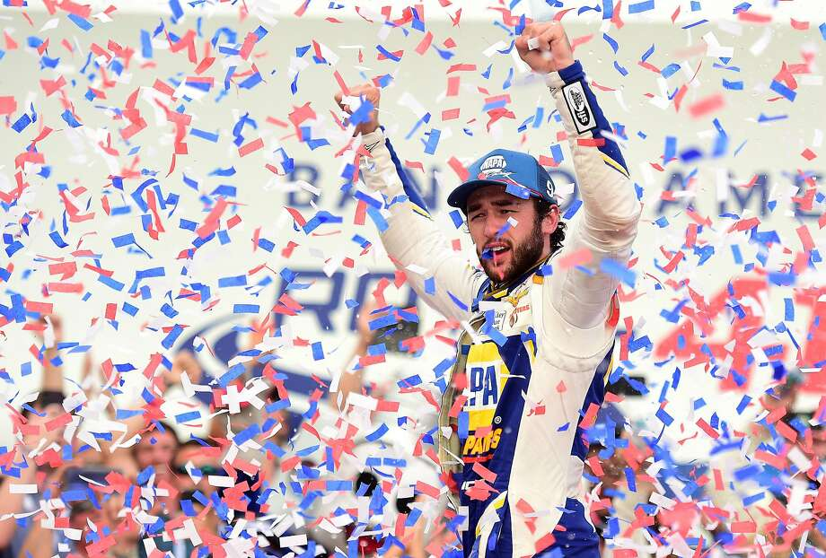 Chase Elliott wins NASCAR playoff race at Charlotte in scorching heat