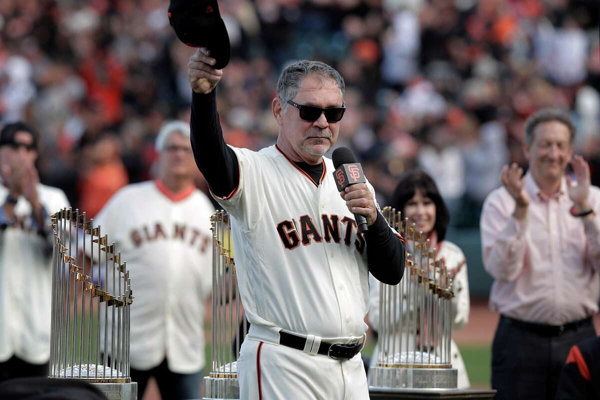 Giants manager Bruce Bochy tips his hat as he addresses the crowd during a ceremony honoring Bochy who managed his final game with the San Francisco Giants at Oracle Park in San Francisco, Calif., on Sunday, September 29, 2019.